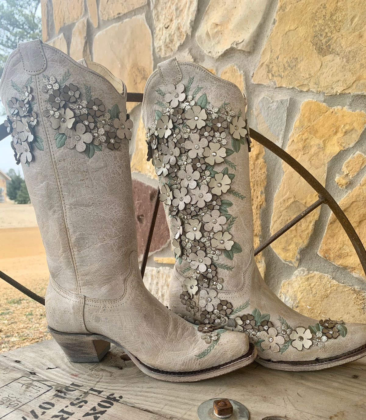 Corral Flower Of Love Boots