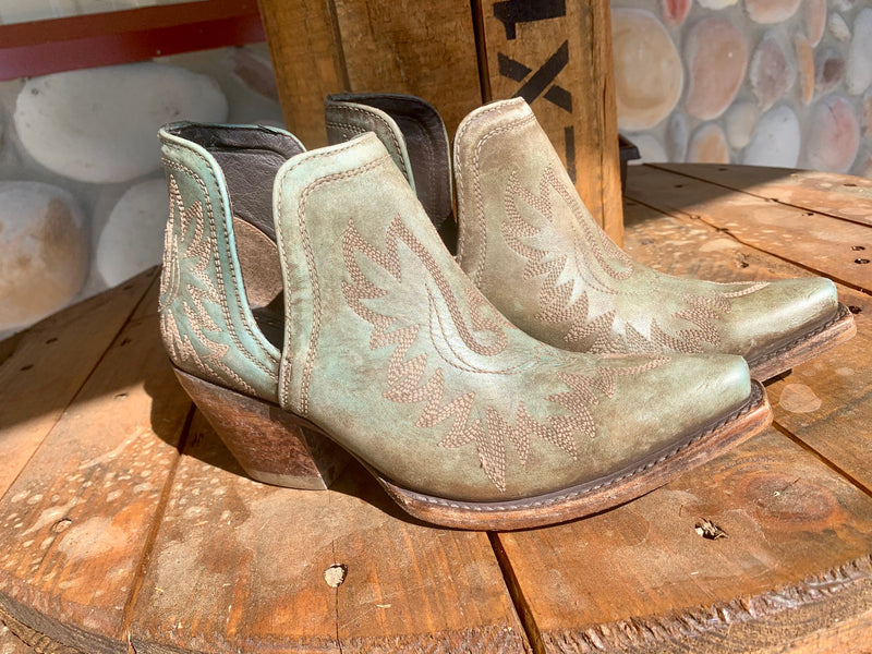 Ariat Dixon Distressed Turquoise