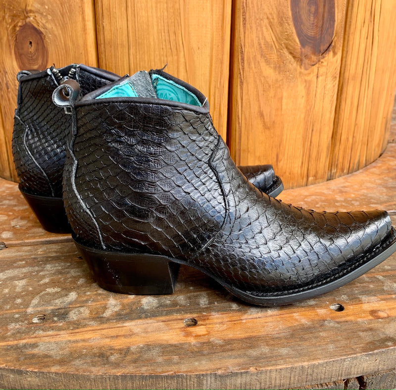 Corral Black Betty Boot-Shortie