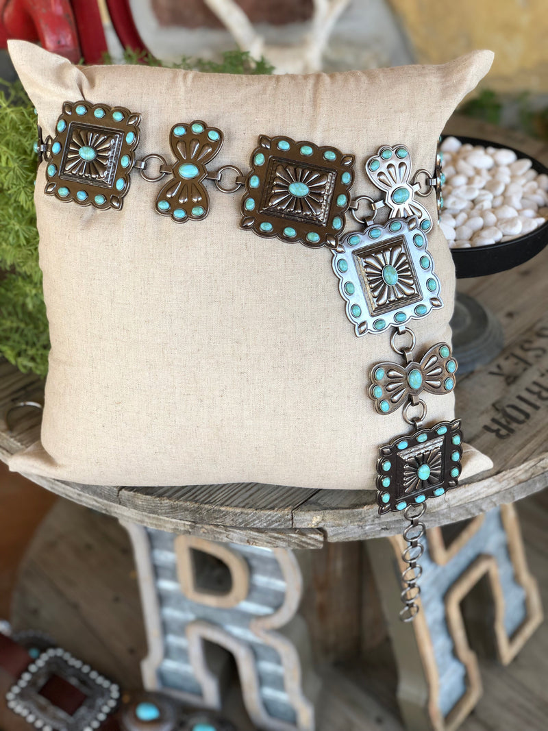 The Ribbon Square Concho Chain Belt