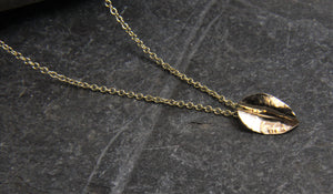 9ct Gold Leaf Pendant