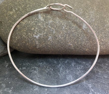 Load image into Gallery viewer, Circle Clasp Bangle - Lucy Symons Jewellery