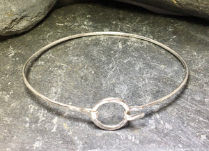 Circle Clasp Bangle - Lucy Symons Jewellery