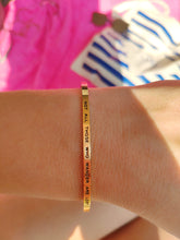 Load image into Gallery viewer, Mantra quote bracelet for women - Not all those who wander are lost -  gold - Travel Gift - Vagabond Life