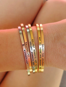 Mantra quote bracelet for women - Not all those who wander are lost - Silver, gold or rose gold - Travel Gift - Vagabond Life