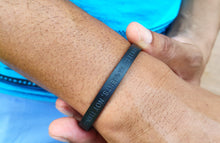 Load image into Gallery viewer, Mantra quote bracelet for men - Collect moments not things - Travel Gift - Vagabond Life