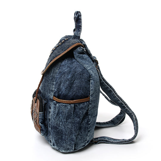 BACKPACKS/حقيبة ظهر