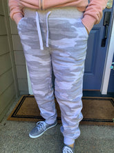 Load image into Gallery viewer, Grey Camo Joggers