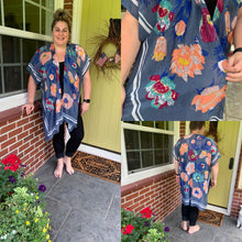 Load image into Gallery viewer, One Size Floral Kimonos