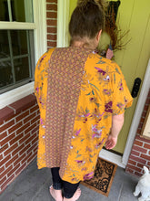 Load image into Gallery viewer, Gold Floral Kimono