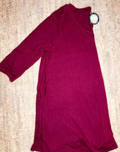 Load image into Gallery viewer, Wine 3/4 Sleeve V-Neck Tunic