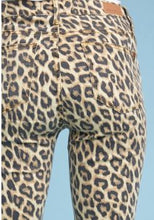 Load image into Gallery viewer, Leopard Skinny Jeans