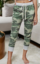 Load image into Gallery viewer, Camo Joggers
