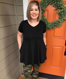 Black Short Sleeve V-Neck Tunic with Pockets.