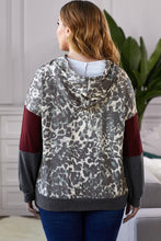 Load image into Gallery viewer, Plus Leopard Color Block Hoodie