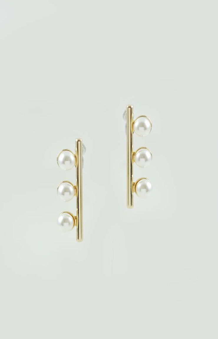 THREE STUD PEARL EARRINGS