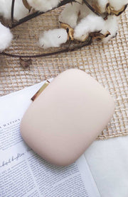 CURVE SQUARE CLUTCH - BEIGE