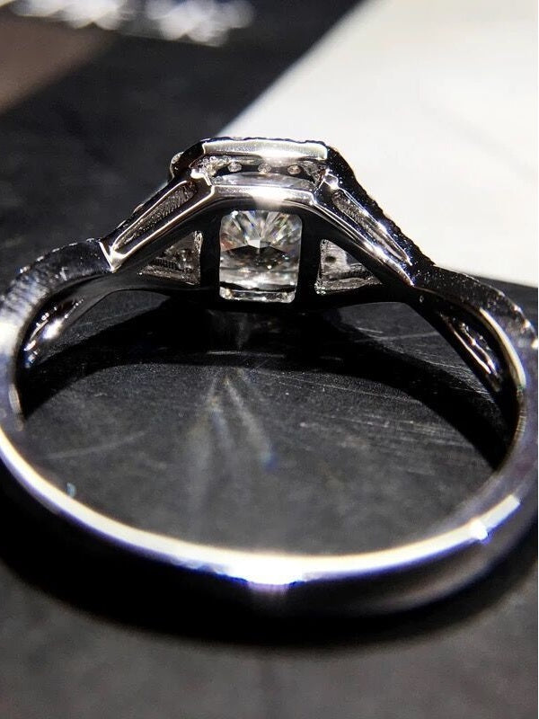 Zallure Cubic Micro-inlaid Zircon Ring