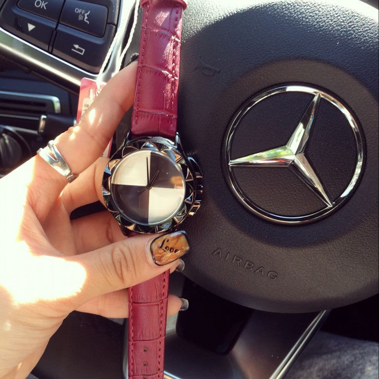 Personality Rouge Box Pattern Chassis Women's Watch