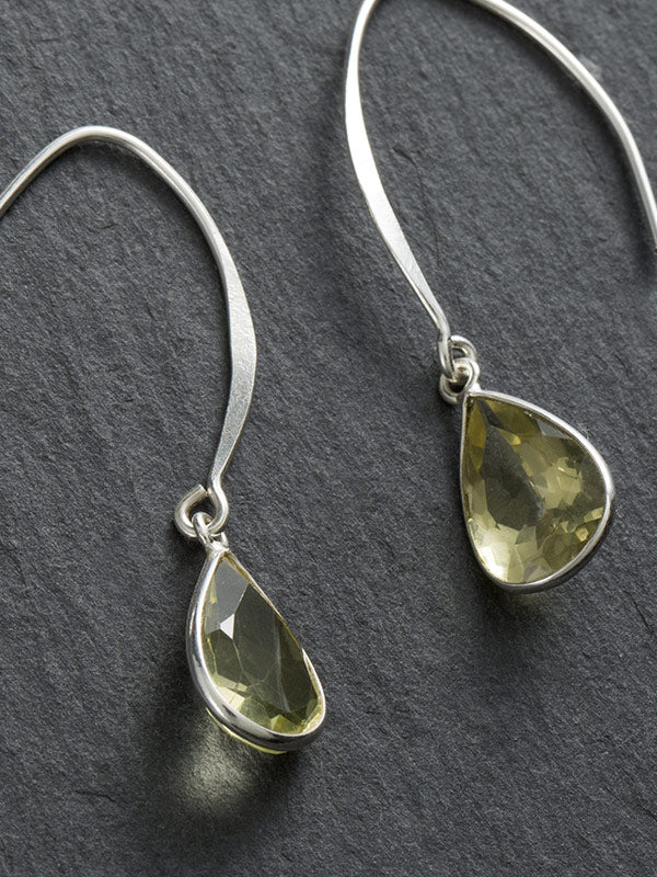 Natural Pure Drop Pattern Silver Earrings