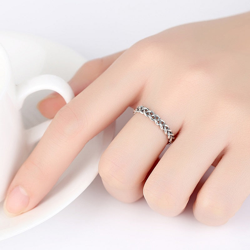 Retro Twist-shaped Open Ring