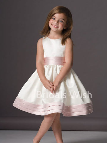 products/flower_girl_dress_d0455ecb-f6cf-4b57-a075-964c5e844c7b.jpg