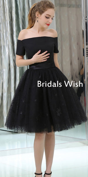 Unique Black Tulle A-line Zipper Up Homecoming Dress EW0198