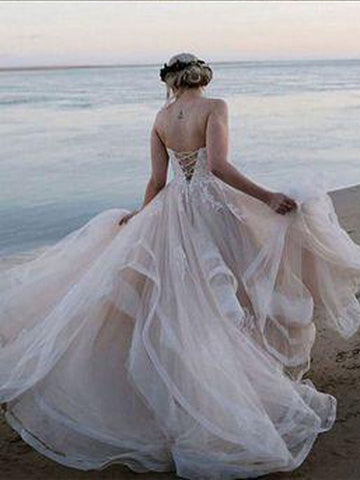 products/pretty_wedding_dress.jpg