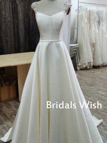 products/weddingdresses_41d8a828-47b5-422b-a6d4-721259a14f06.jpg