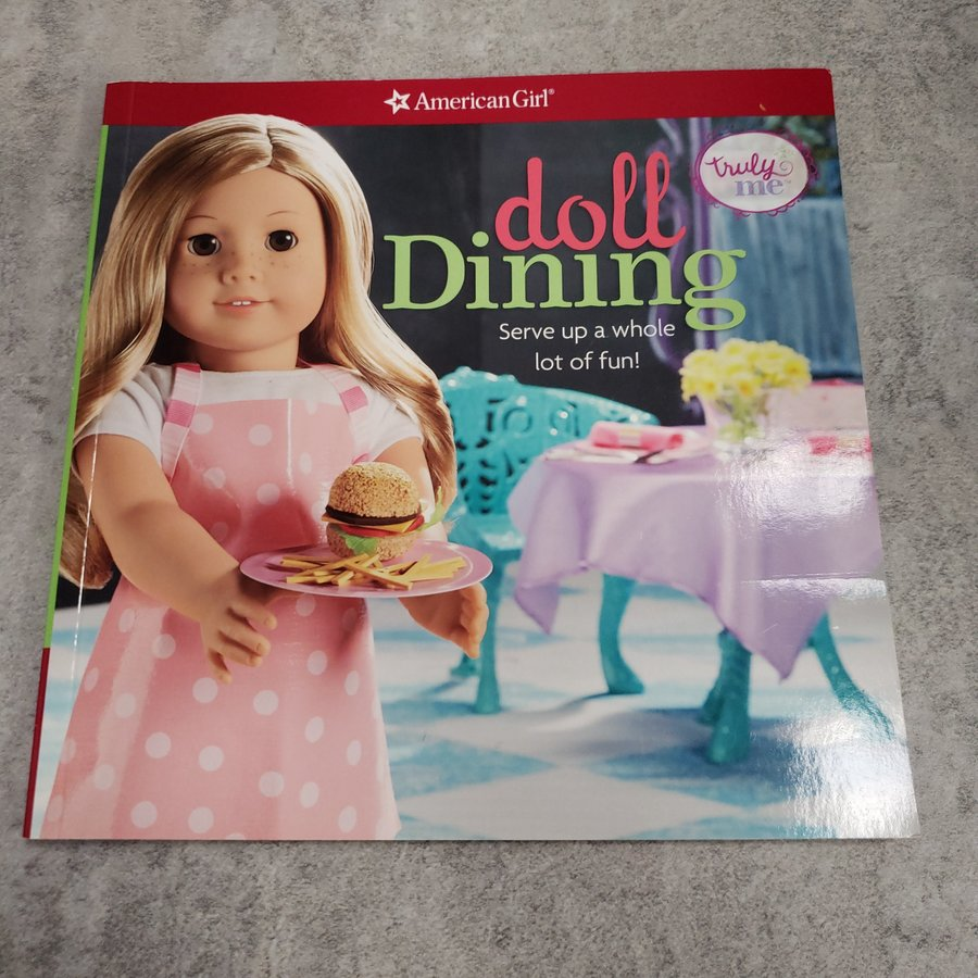 BOOK - AMERICAN GIRL: DOLL DINING
