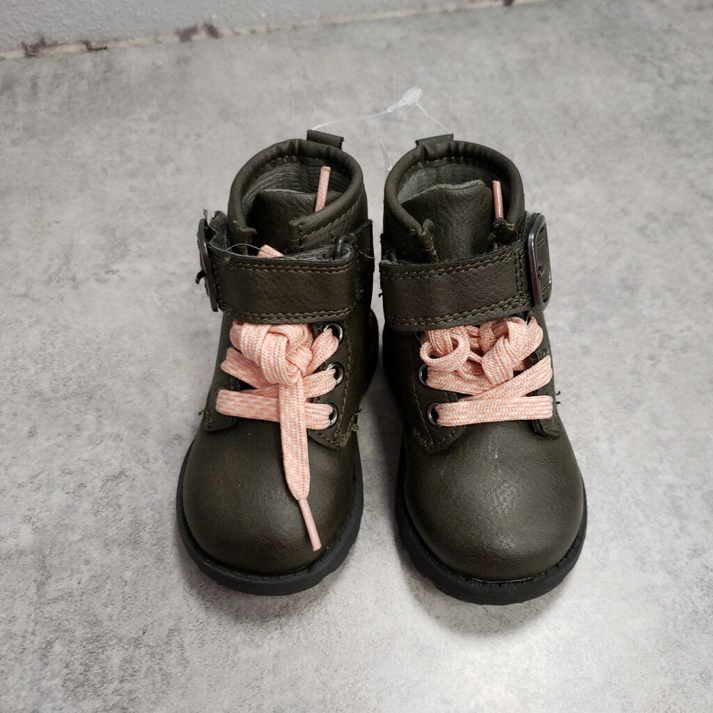 CARTERS - BOOTS