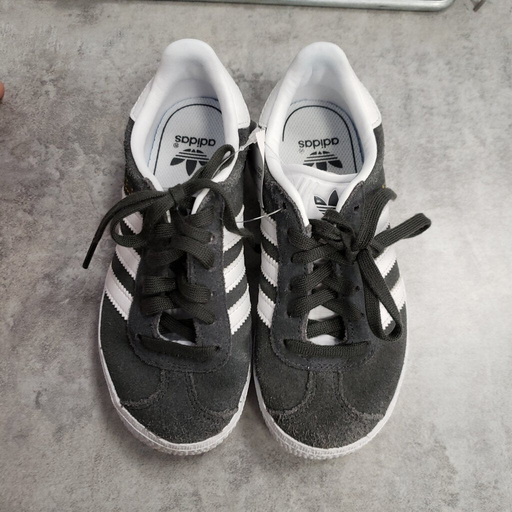 ADIDAS - SHOES