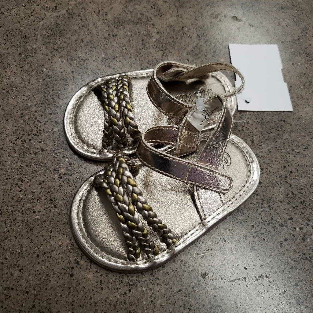 OLD NAVY - SANDALS