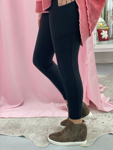 Black Workout Leggings with Cell Phone Pocket