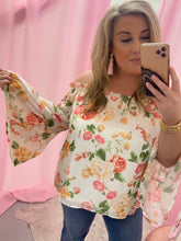 Load image into Gallery viewer, Peachy Floral Off the Shoulder Top