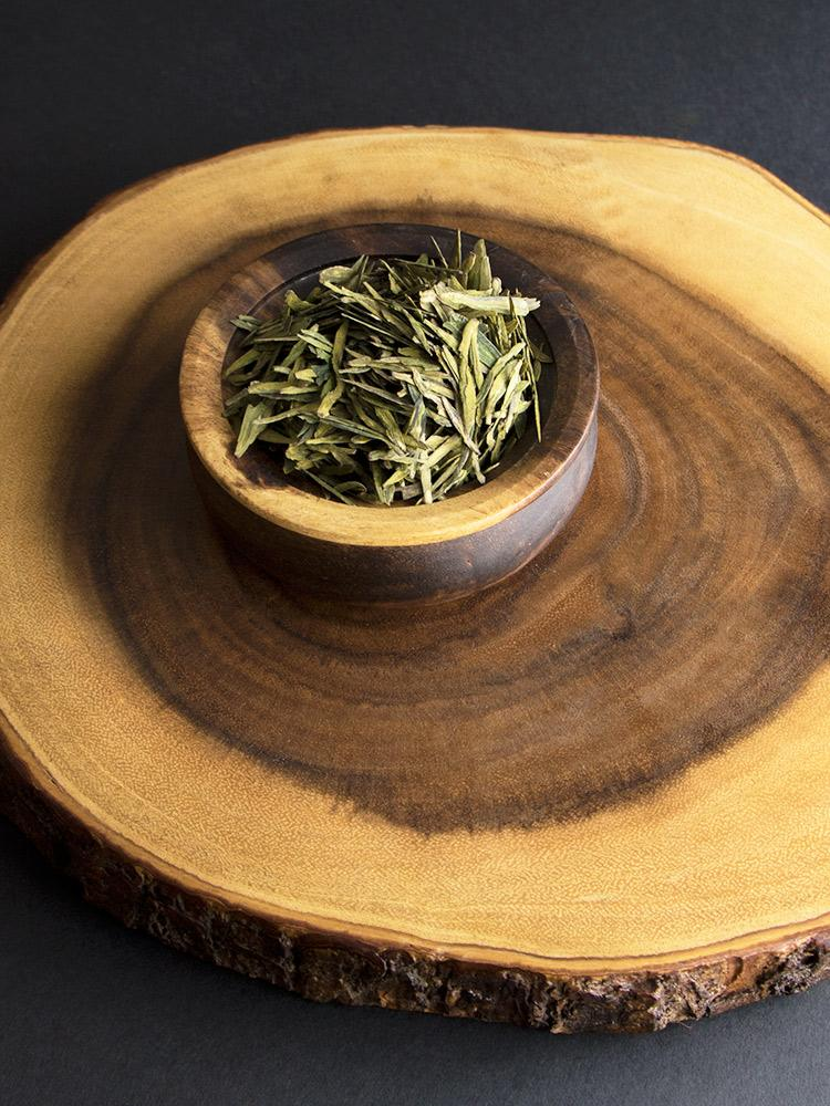 Earthwise Beauty | Dragon's Well Green Tea | The Beauty Garden Boutique