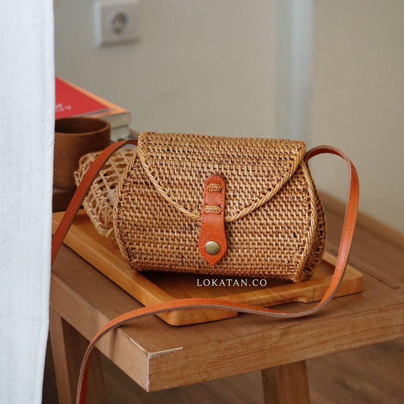 Brown Pillo Handwoven Rattan Purse Bali - Lokatan