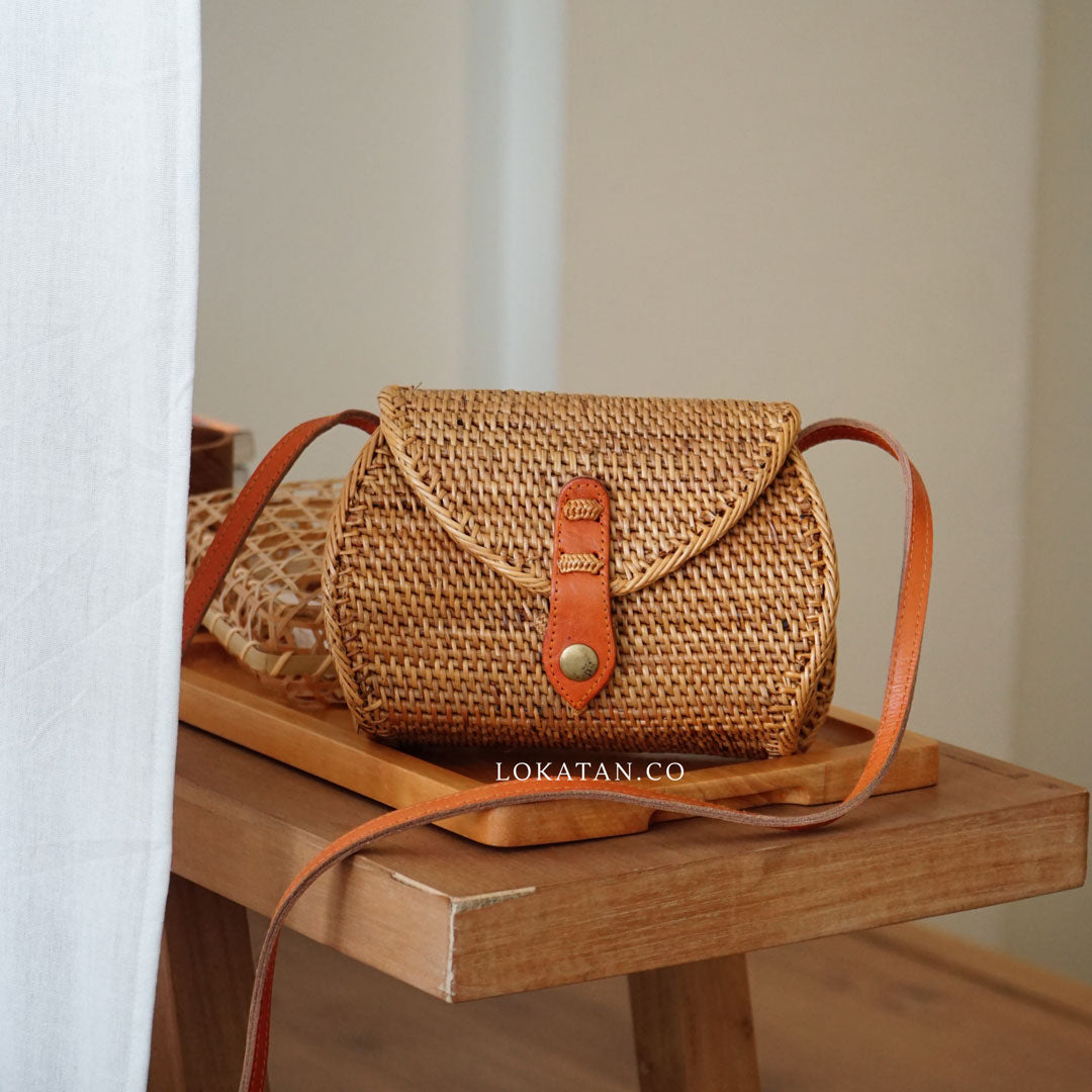 Brown Pillo Handwoven Rattan Purse Bali