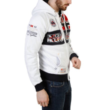 Load image into Gallery viewer, Geographical Norway - Flyer_man