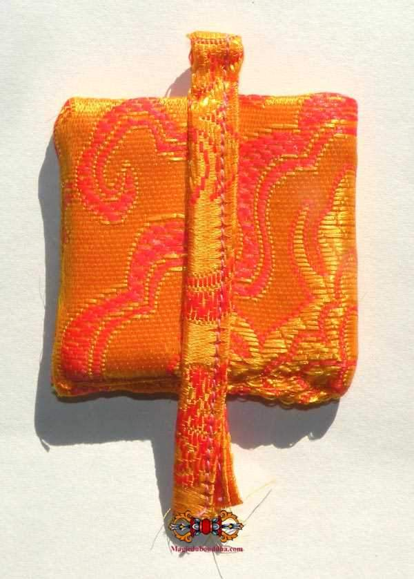 Dtagrol Thamched Amulet Gyiyid Ongwa - Makes Pleasant and Popular
