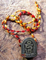 Protective Tibetan amulet against ghosts - Sacred Incense Thip Sang.