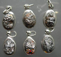 Pendants in Kod Lek Lai.