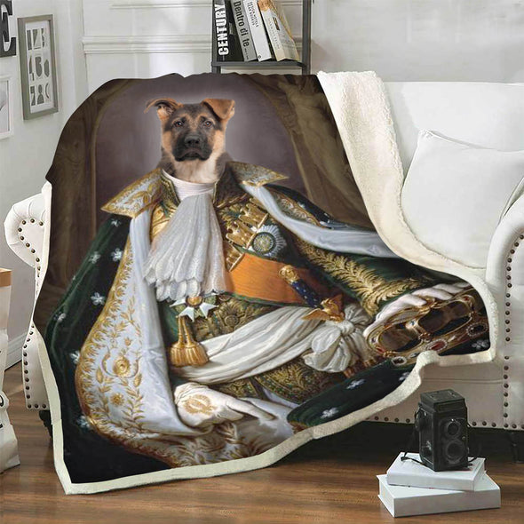 Customize Your Pet In A Royal Look