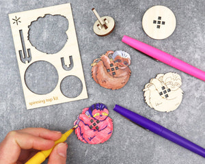 SLOTH ANIMAL SPINNING TOP KIT
