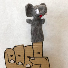 Load image into Gallery viewer, Knit finger puppets