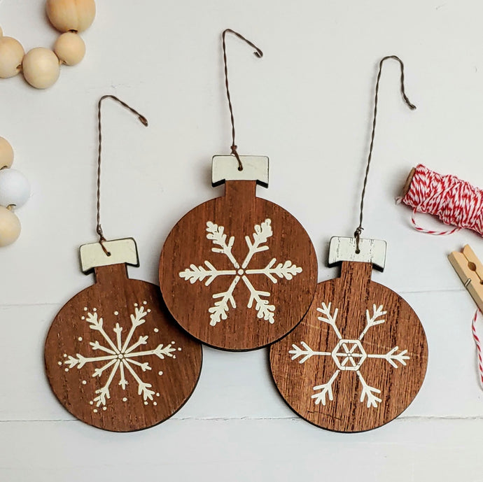 Farmhouse Snowflake Bulb Ornaments - Cottage and Thistle