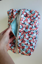 Load image into Gallery viewer, Light Blue & Coral Floral Utility Bag - Simply L Boutique
