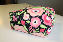 Load image into Gallery viewer, Floral Polka Dot Utility Bag - Simply L Boutique