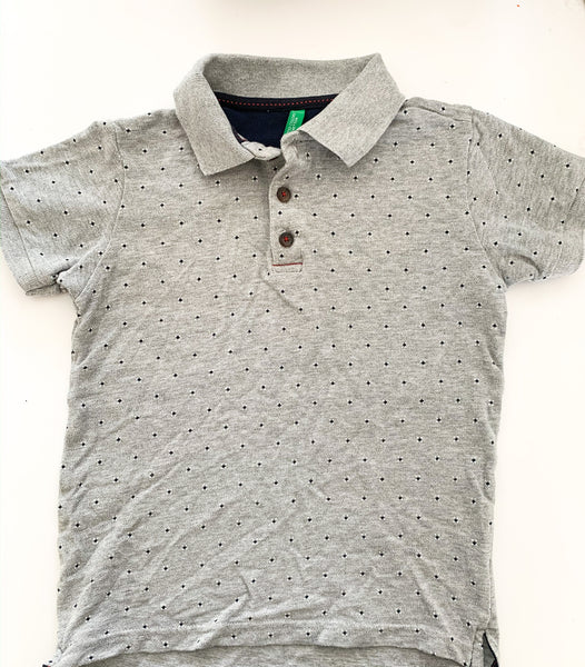 Grey golf shirt with print size s (6/7) years