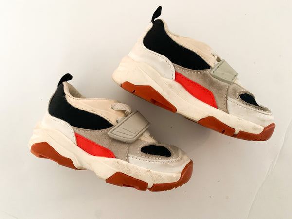 Zara blue/grey/orange runner (size 5.5)